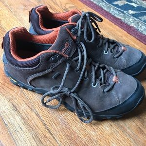 Men's hiking boots size 9M